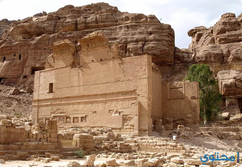 مقابر قصر البنت