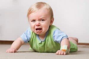 أعراض الإمساك عند الأطفال وكيفية علاجة