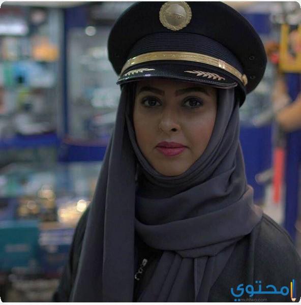 كابتن ياسمين الميمني أول سعودية حاصلة على رخصة طيران