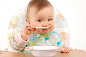 وصفات غذاء الأطفال من الشهر الثامن للثاني عشر