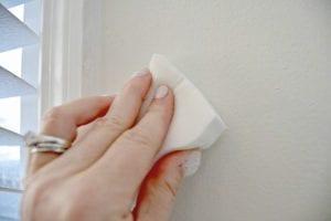 صناعة محلول تنظيف الحمام والمطبخ يدوياً