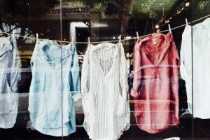 تفسير رؤية غسيل الملابس فى حلم العزباء والمتزوجة والحامل