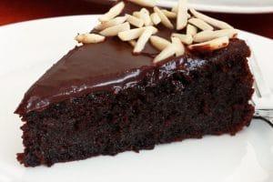 وصفة عمل كيكة اللوز بالشوكولاتة