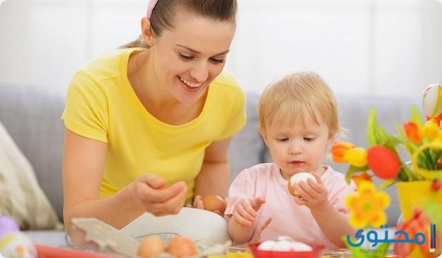 من عمر كم يأكل الطفل البيض