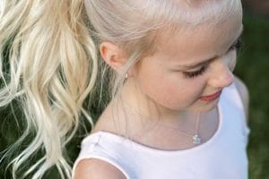 بالصور تسريحات شعر بنات أطفال 2018