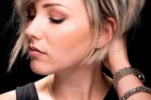 قصات الشعر القصير المدرج للرجال والبنات