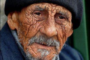 معني رؤية العجوز في المنام