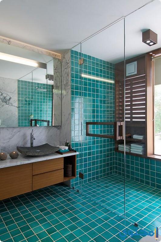 حمام باللون الفيروزي