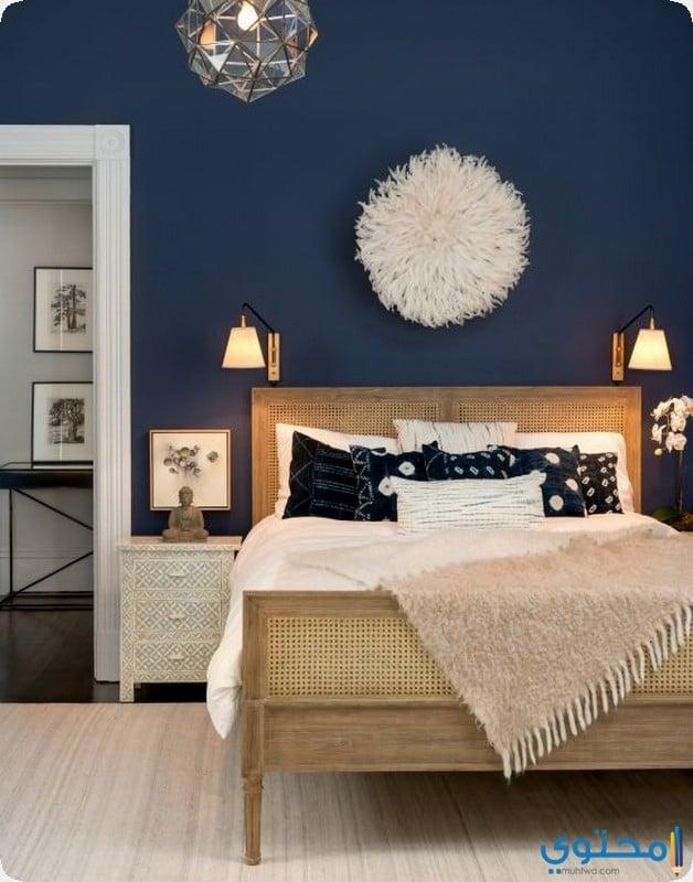 غرفة باللون النيلي او الازرق