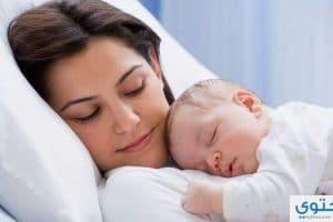 نصائح للعناية بالطفل في الشهور الأولى