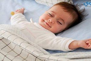 كيف تجعلي طفلك الرضيع ينام أثناء الليل