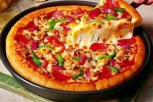 طريقة عمل البيتزا بالتفاصيل