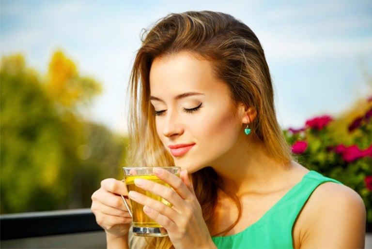 فوائد الشاي الاخضر 2021 للبشرة والشعر - موقع محتوى